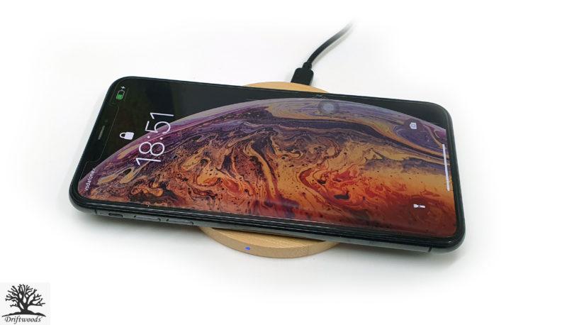qi-ladestation-smarthone-personalisiert